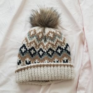 Abercrombie and Fitch pattern pom beanie